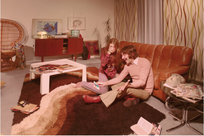tavolino anni '70 (codice E033)