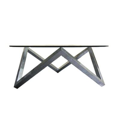 tavolino con base geometrica