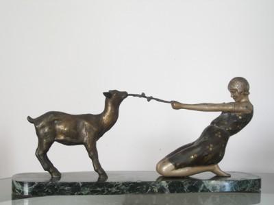Statue 30s